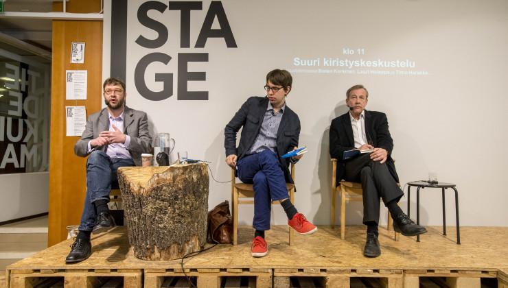 Suuri kiristys -kirjan julkaisutilaisuudessa mukana Lauri Holappa (Helsingin Yliopisto) ja Sixten Korkman (Aalto-yliopisto).